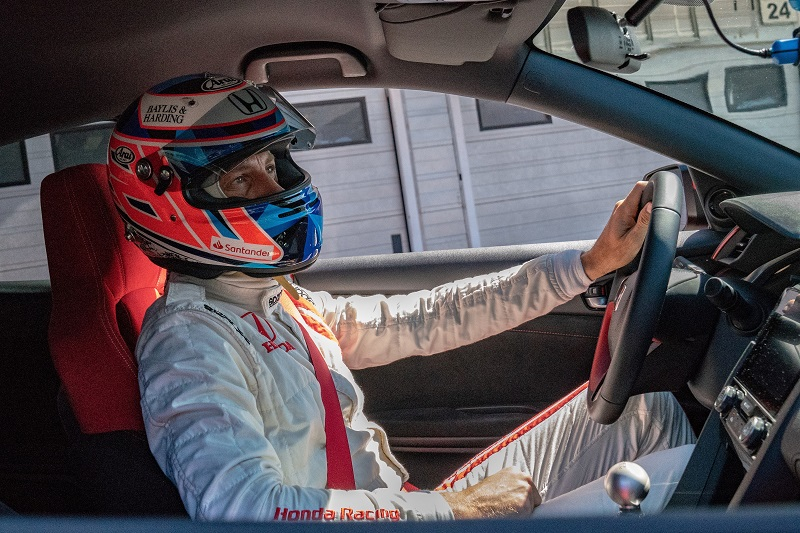 Mission accomplished! Jenson Button secures Hondas fifth and final planned lap record in Civic Type R Challenge 2018